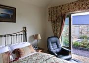 Canaston Oaks Luxury Bed & Breakfast
