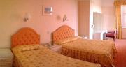 Devon Court Resort & Apartments
